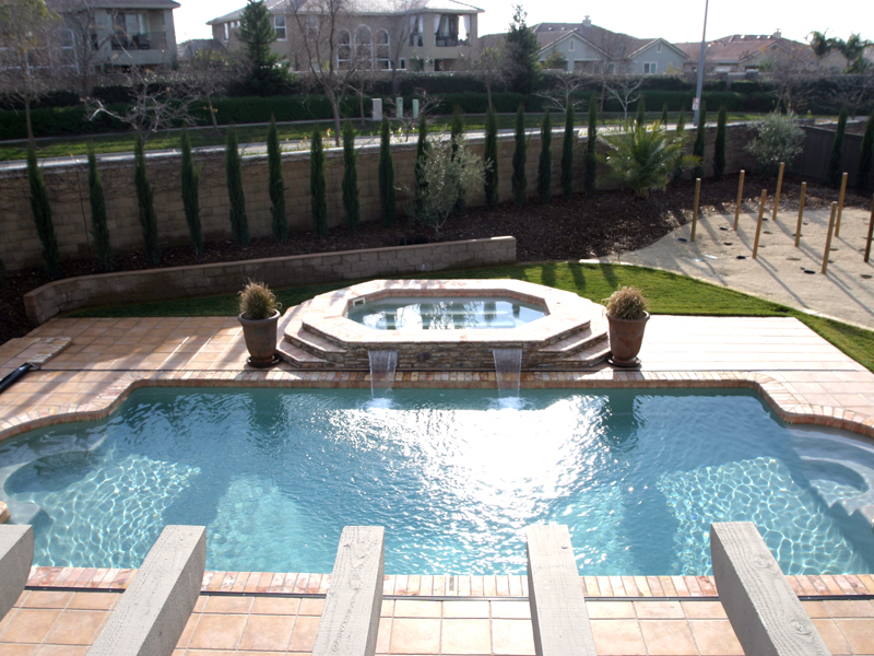 A plus pools classic shaped pools from oregon 39 s premier for Pool dealers