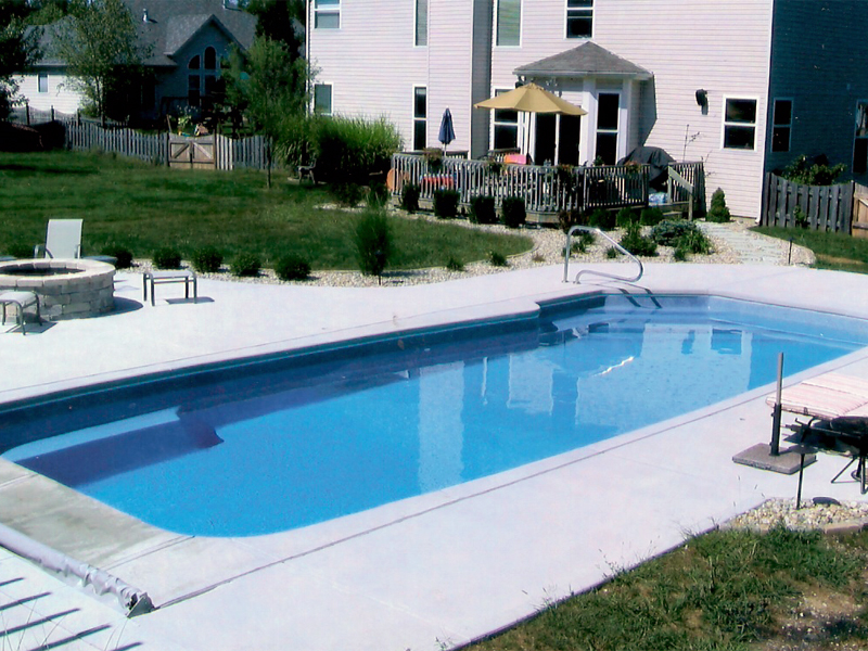 A plus pools custom shaped pools from oregon 39 s premier for Swimming pool dealers