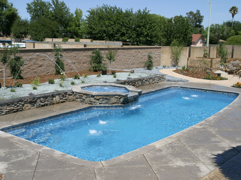 A plus pools custom shaped pools from oregon 39 s premier for Viking pools