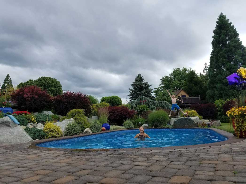 A plus pools swimming pool photo gallery from oregon 39 s for Swimming pool dealers