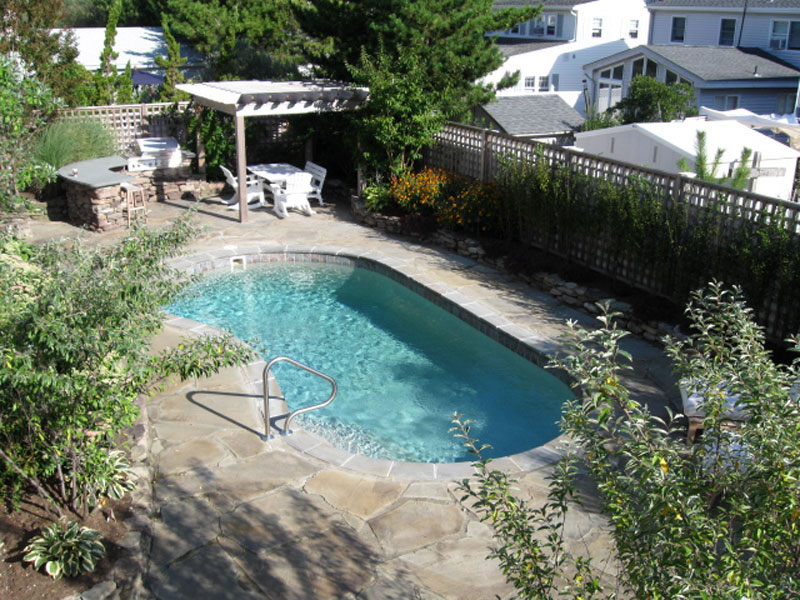 A plus pools kidney shaped pools from oregon 39 s premier for Pool dealers