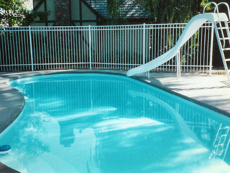 A plus pools kidney shaped pools from oregon 39 s premier for Swimming pool dealers