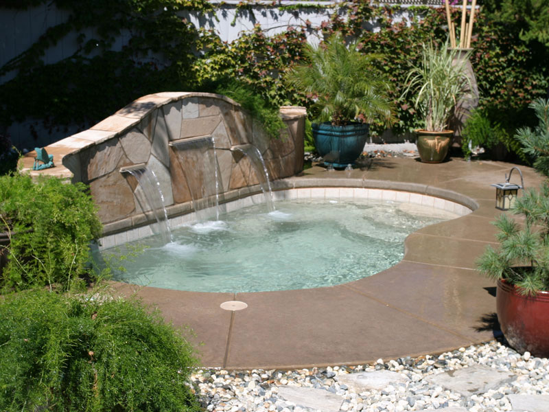 A plus pools kidney shaped pools from oregon 39 s premier for Viking pools